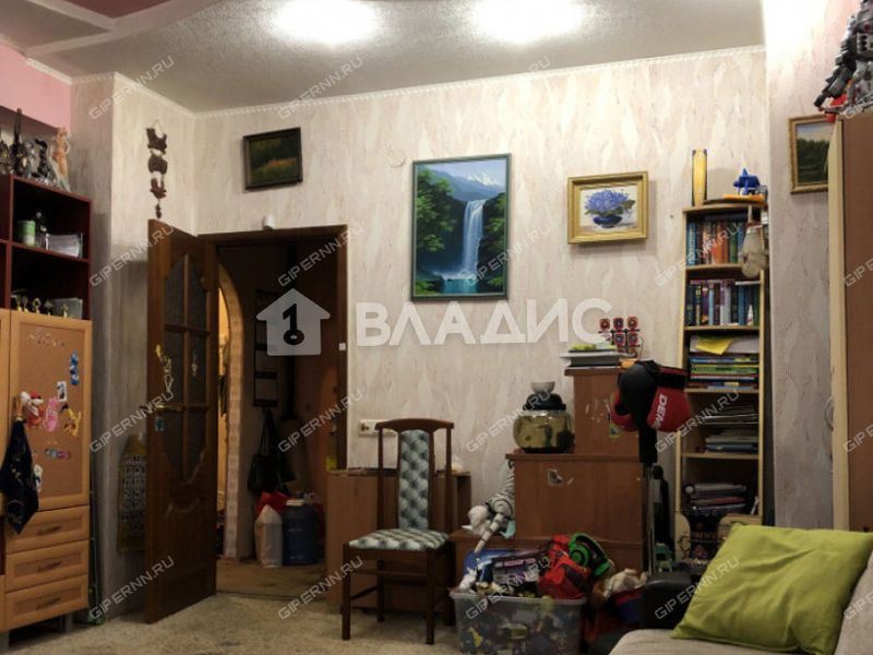 трёхкомнатная квартира на улице Чкалова дом 41